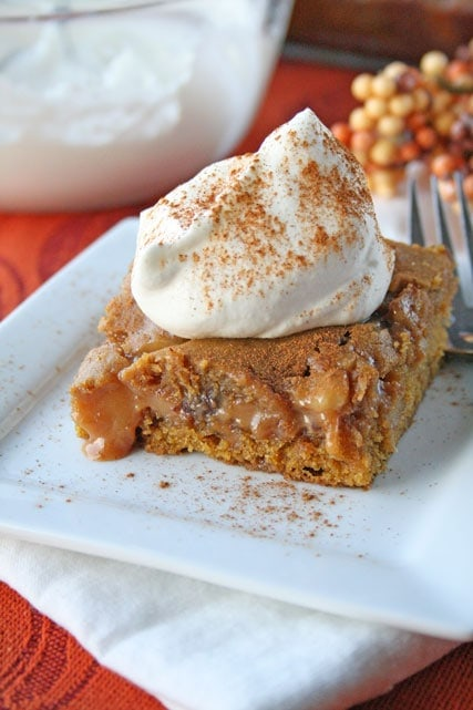 Ooey Gooey Caramel Pumpkin Blondies {with Chocolate and Walnuts ...