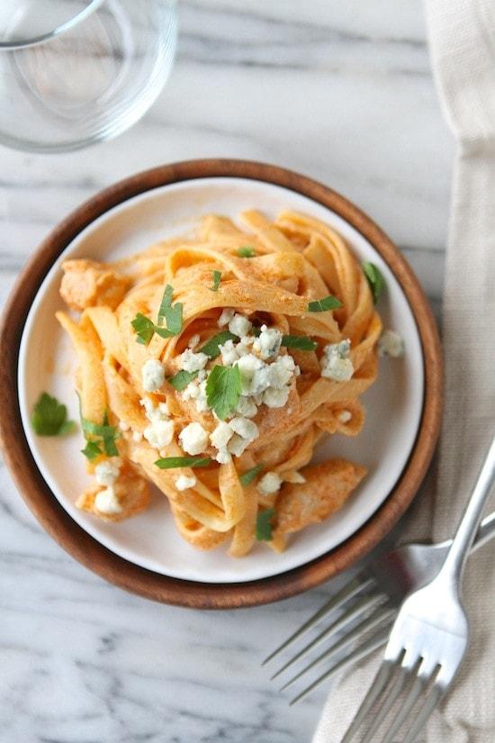 Buffalo Chicken & Blue Cheese Fettuccine Alfredo from www.laurenslatest.com