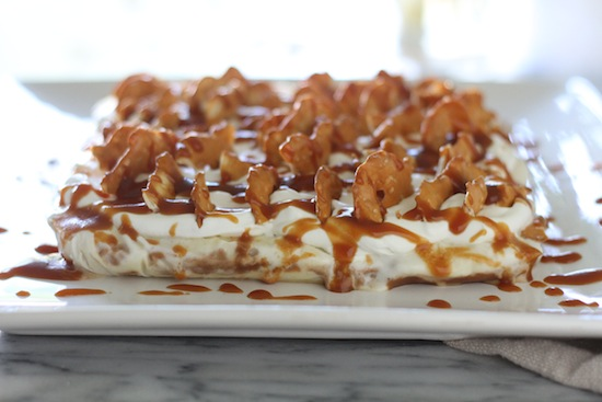 Salted Caramel Pretzel Ice Cream Cake from www.laurenslatest.com