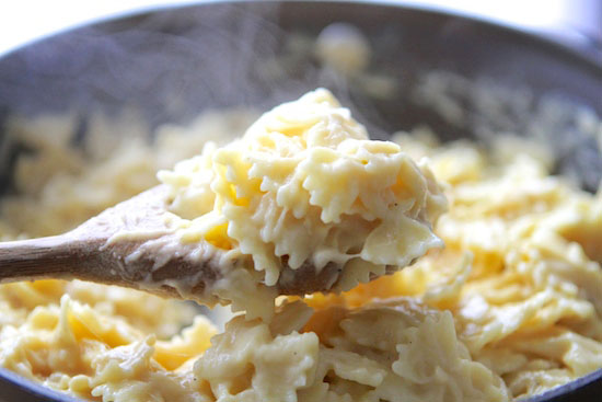 Easy Cauliflower Cheese Sauce for Skinny Mac n' Cheese