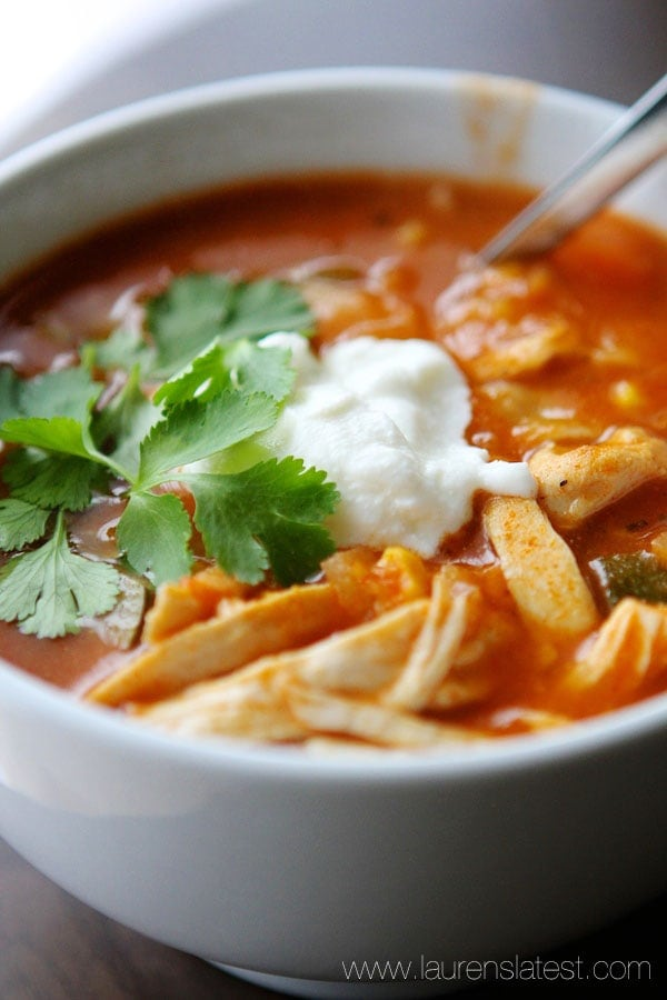 Easy Chicken Tortilla Soup....a low fat, veggie-packed soup that's ready in 30 minutes?! Sign me up!!