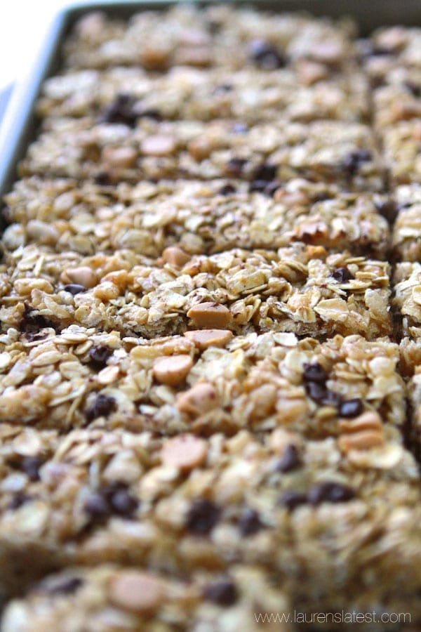 No-Bake Peanut Butter Chocolate Chip Granola Bars | Lauren's Latest