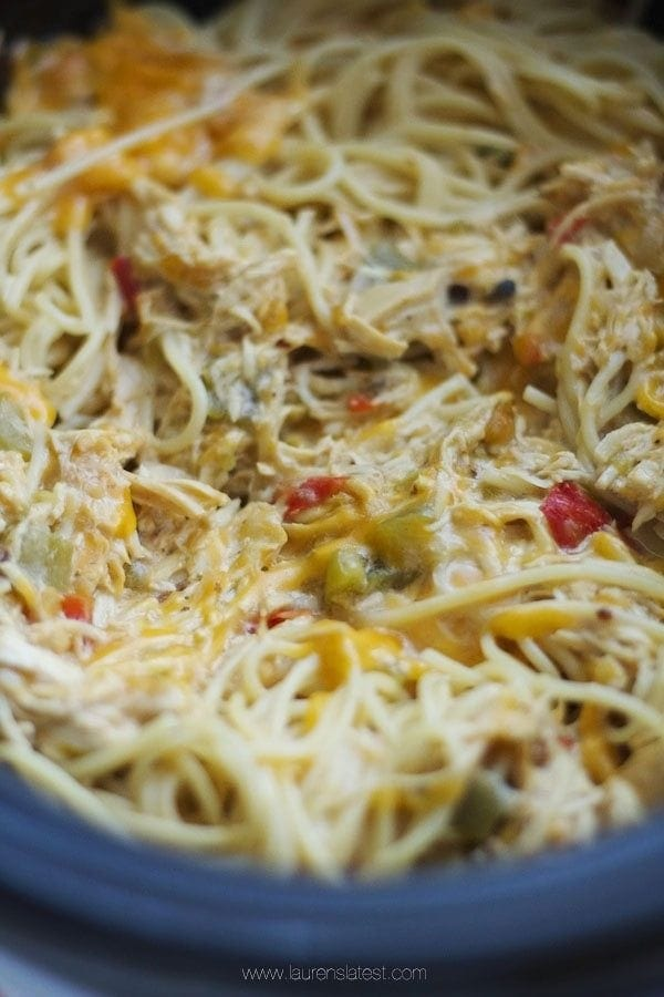 Crockpot Cheesy Chicken Spaghetti....the easiest crockpot dinner ever ...