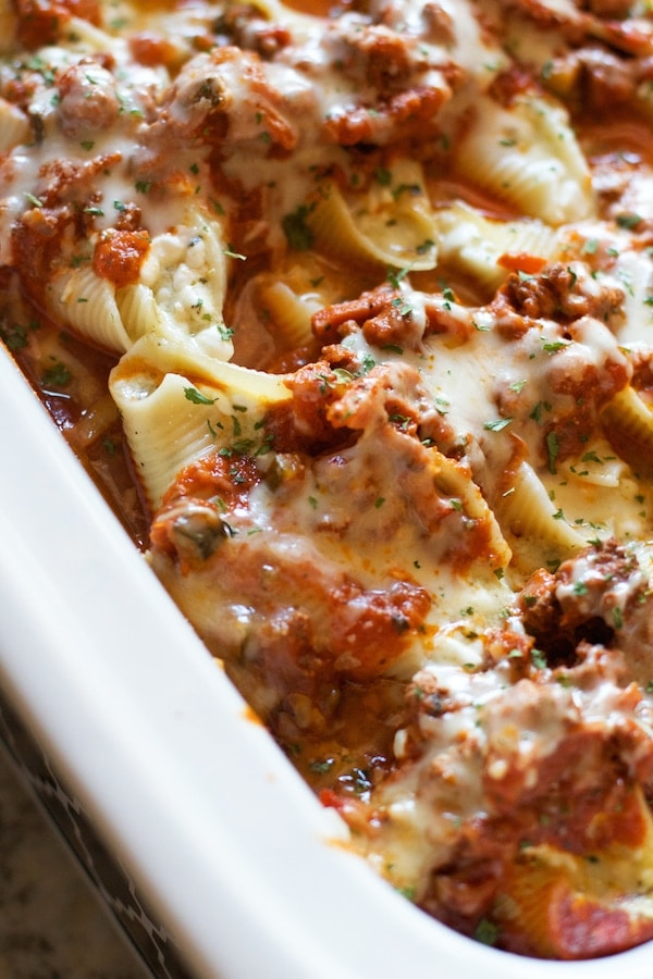 Crockpot Pesto Stuffed Shells from Lauren's Latest [Recipe Round-Up at A Little Seed Grows - Blog]