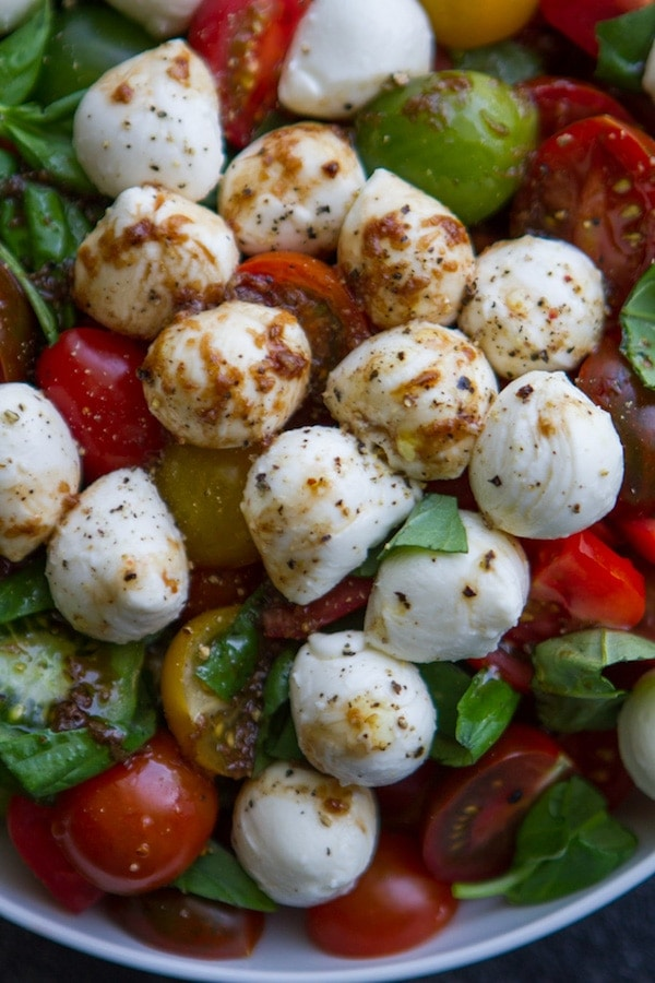 Delicious and healthy salad for summer! I love caprese salad! The perfect salad for a BBQ!